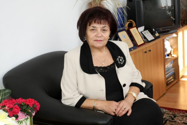 Янка Такева: Трябва промяна в държавните образователни стандарти, тъй като те не кореспондират с дейността на българскияучител