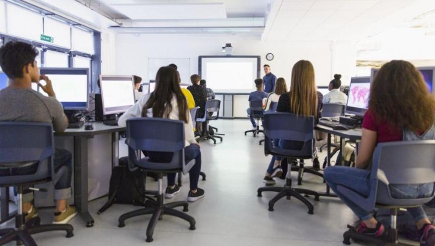 1 млн. лева за семинари и курсове по ИТ вучилищата